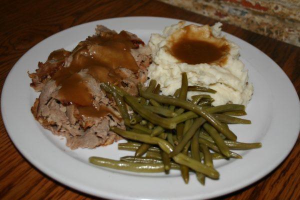 Roast beef Dinner with Gravy